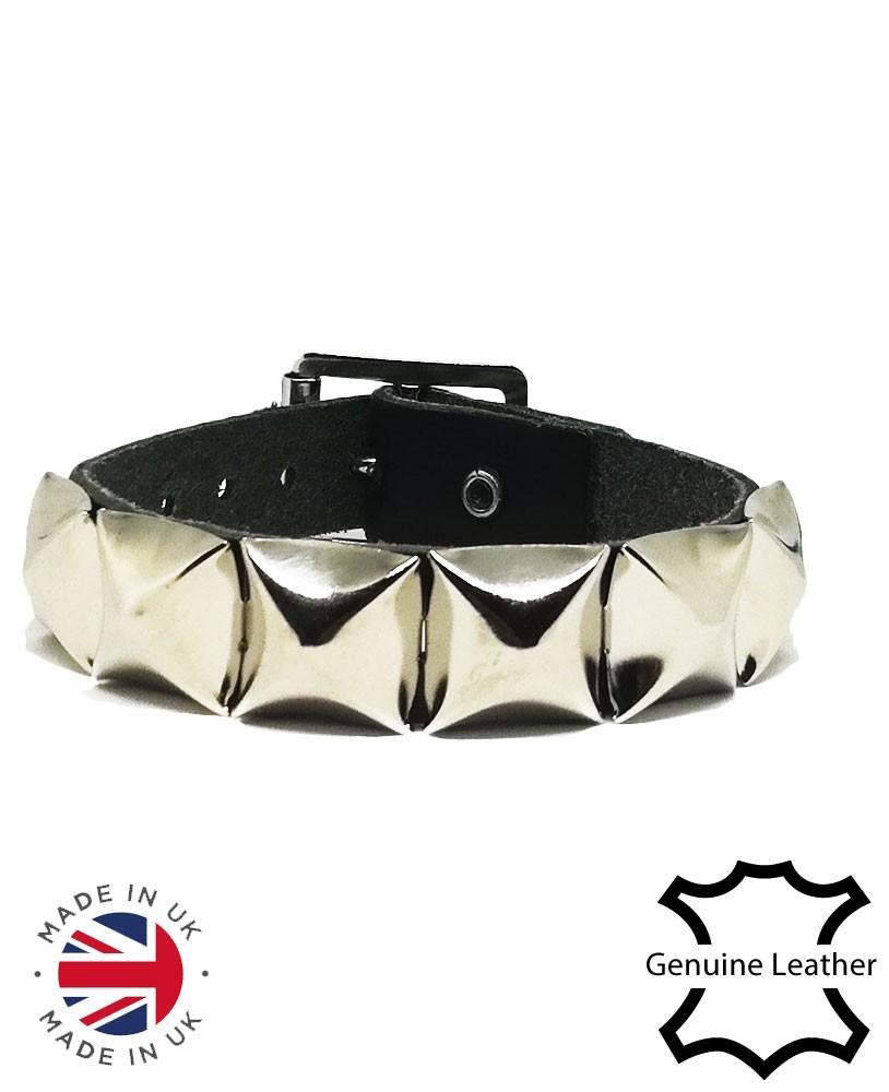 1 Row pyramid leather wristband main