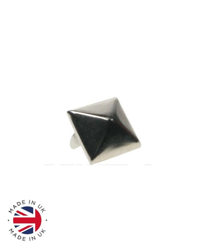 Aplique metal piramide