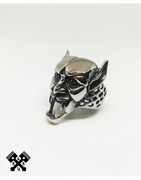 Demon Steel Ring, diagonal
