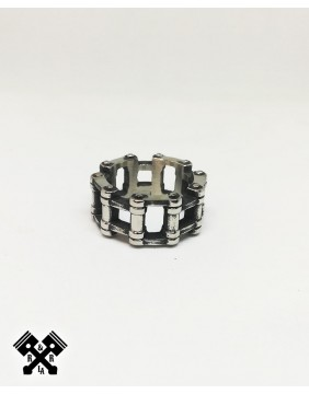 Wide Bike Chain Steel Ring, front view