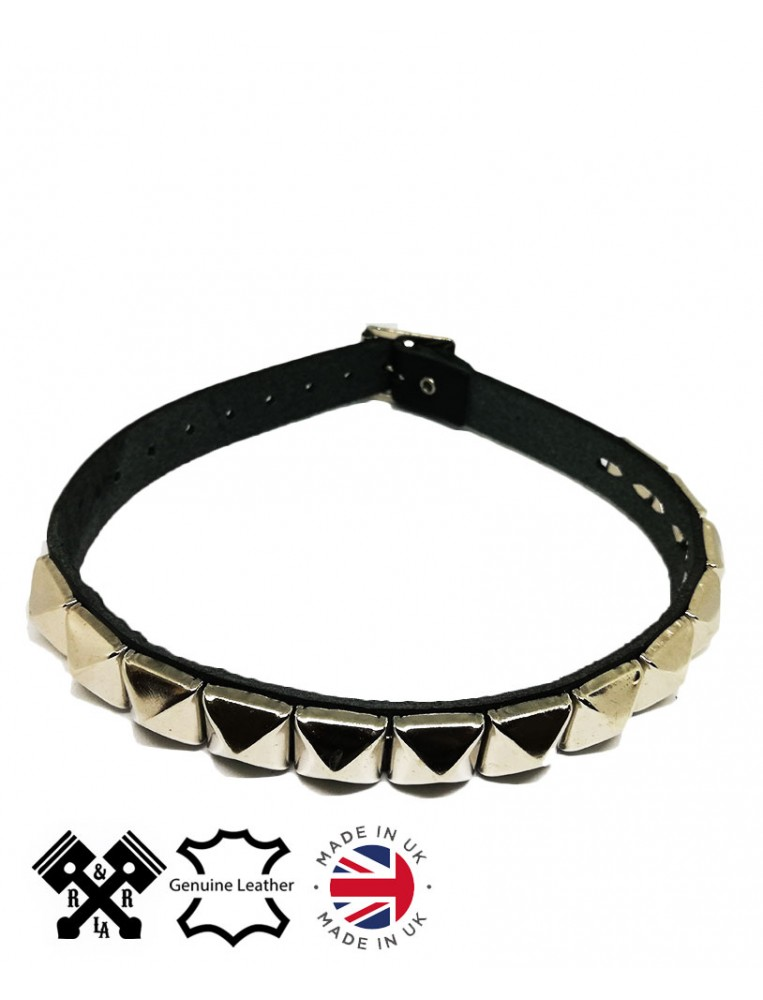 1 Row Pyramid Leather Choker, front view